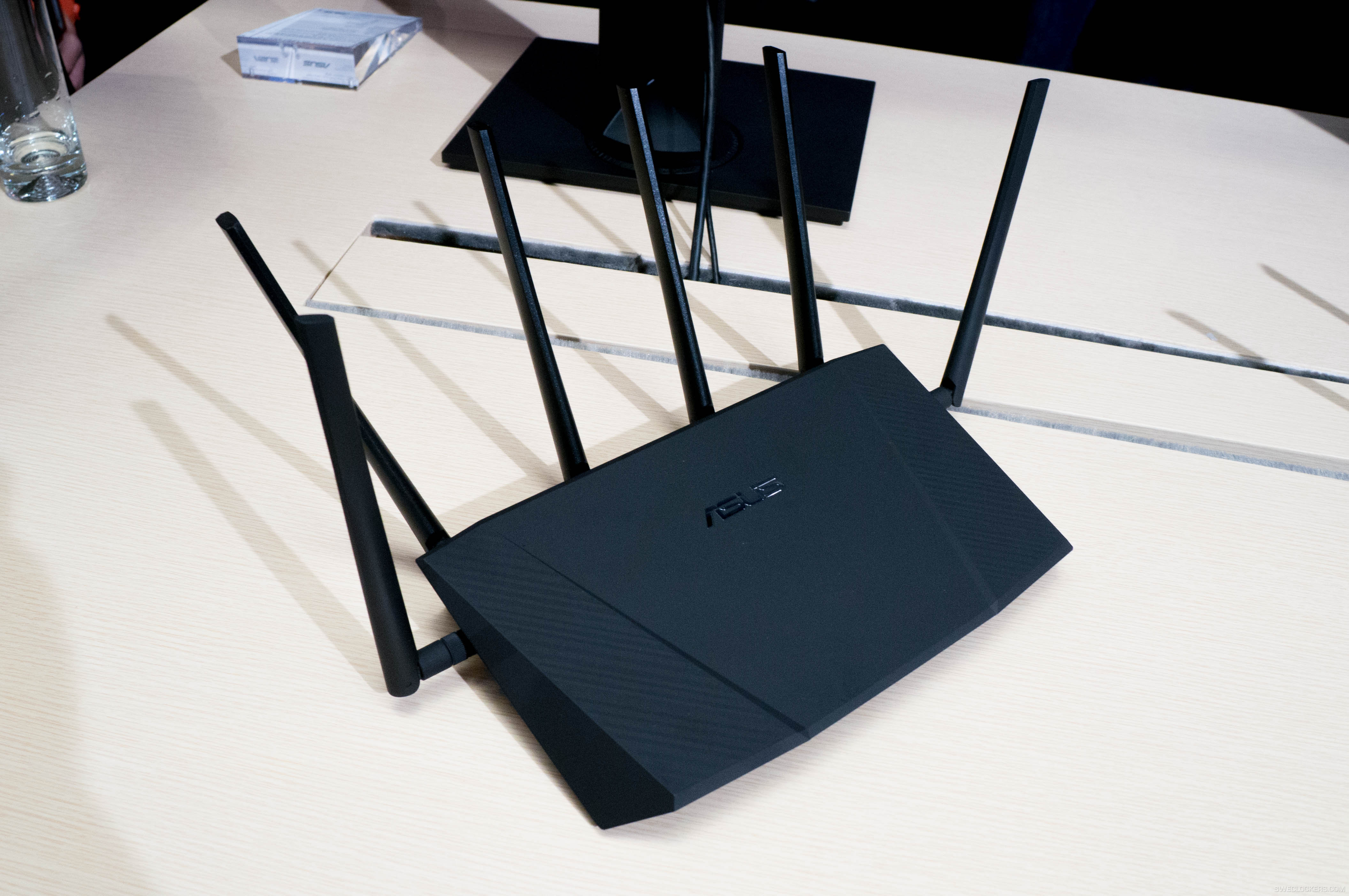 Name:  Asus_Wireless_Router_RT-AC3200-2.jpg Views: 7637 Size:  850.1 KB